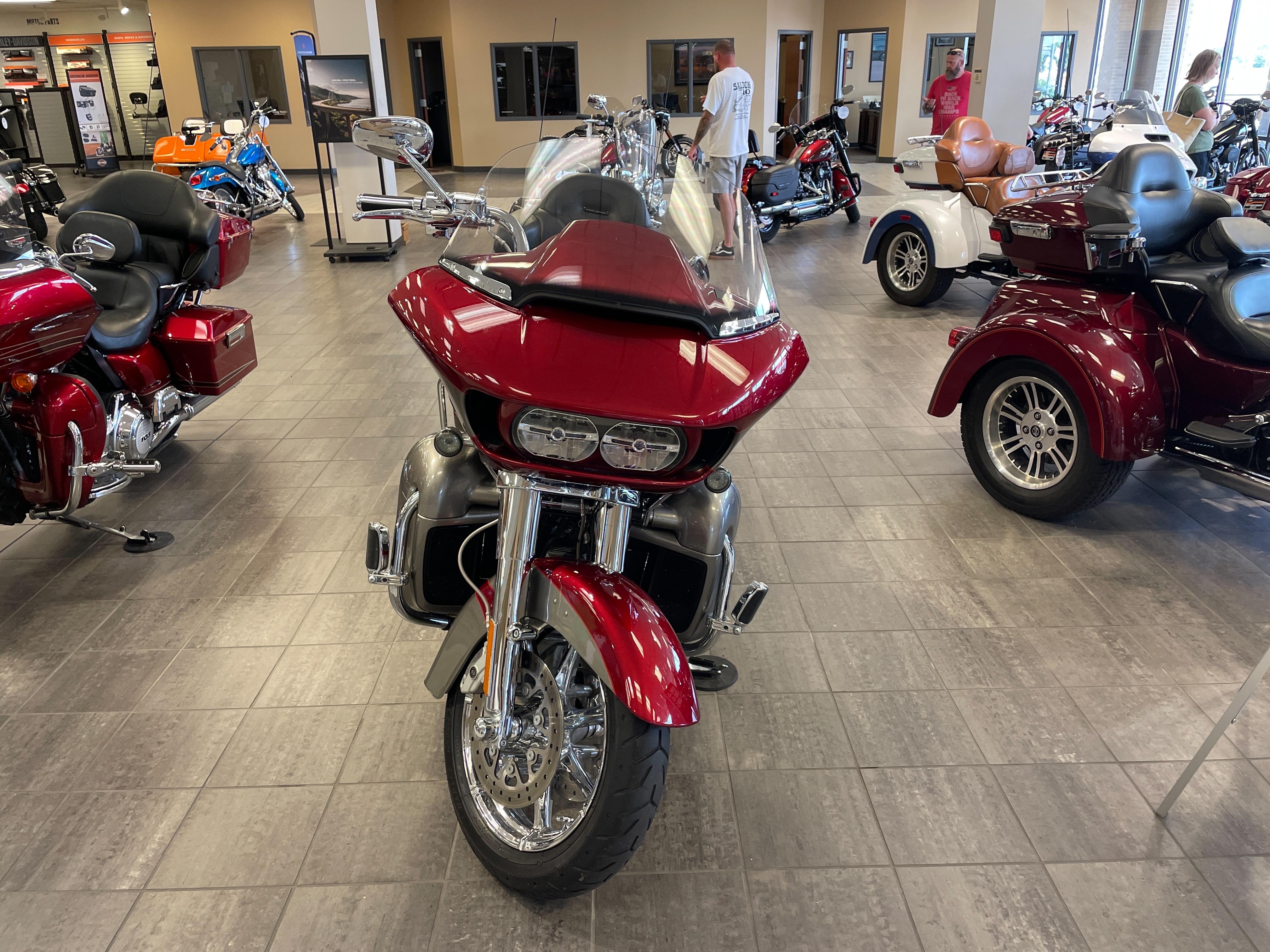 2016 Harley-Davidson CVO Road Glide Ultra CVO Ultra at Tripp's Harley-Davidson