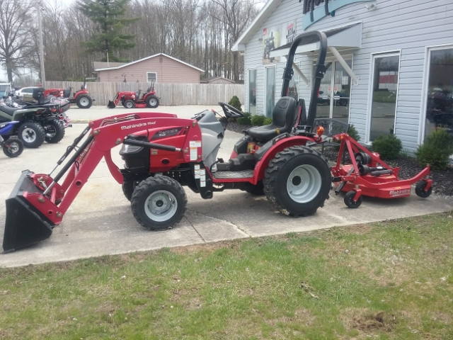 2016 Mahindra MAX 26 HST W/LOADER at Thornton's Motorcycle - Versailles, IN