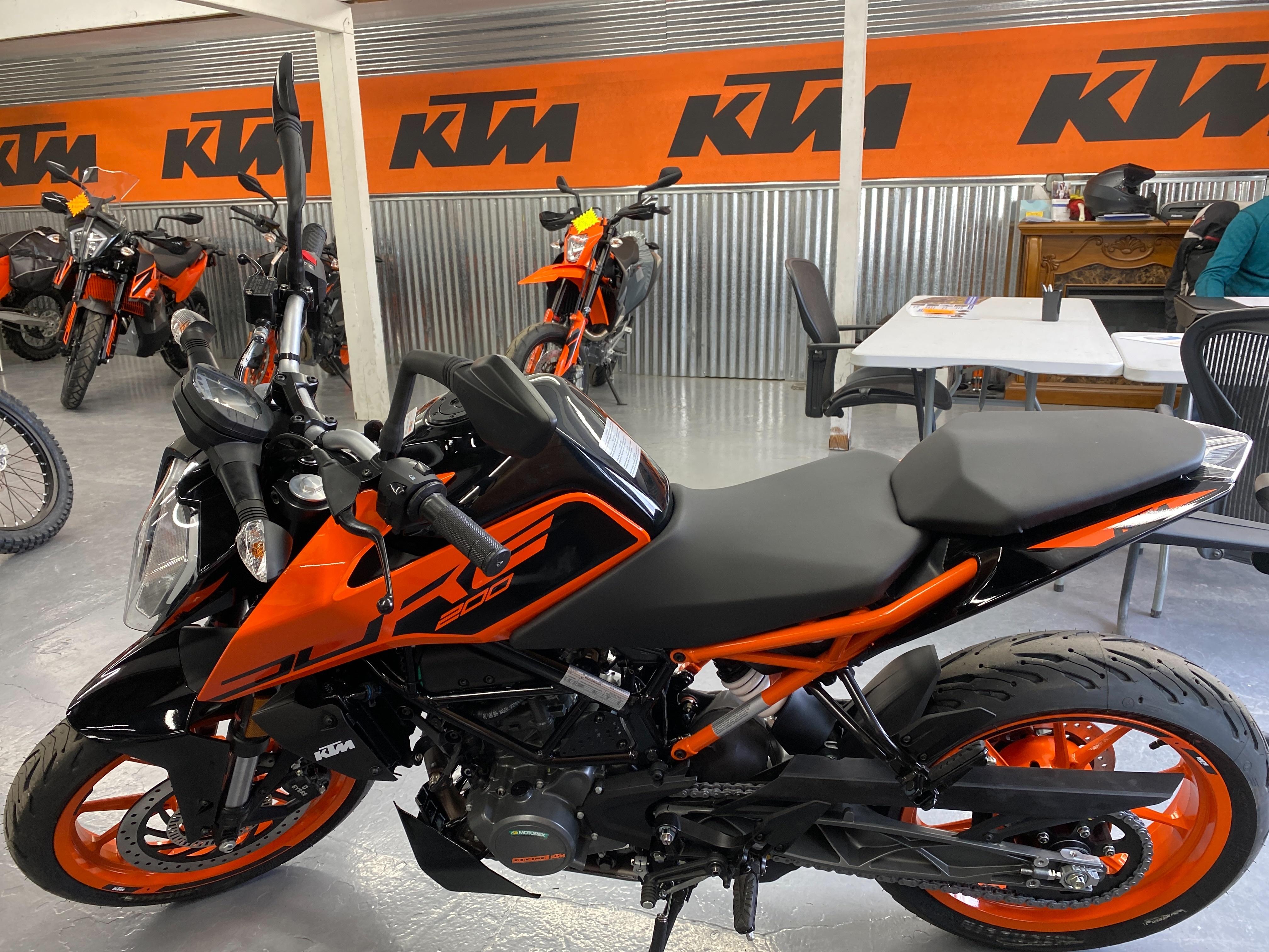 2021 KTM SPORT MOTORCYCLES 200 Duke at Cascade Motorsports