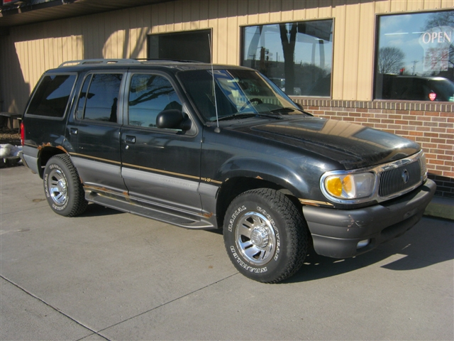 1998 Mercury Mountaineer4x4 at Brenny's Motorcycle Clinic, Bettendorf, IA 52722