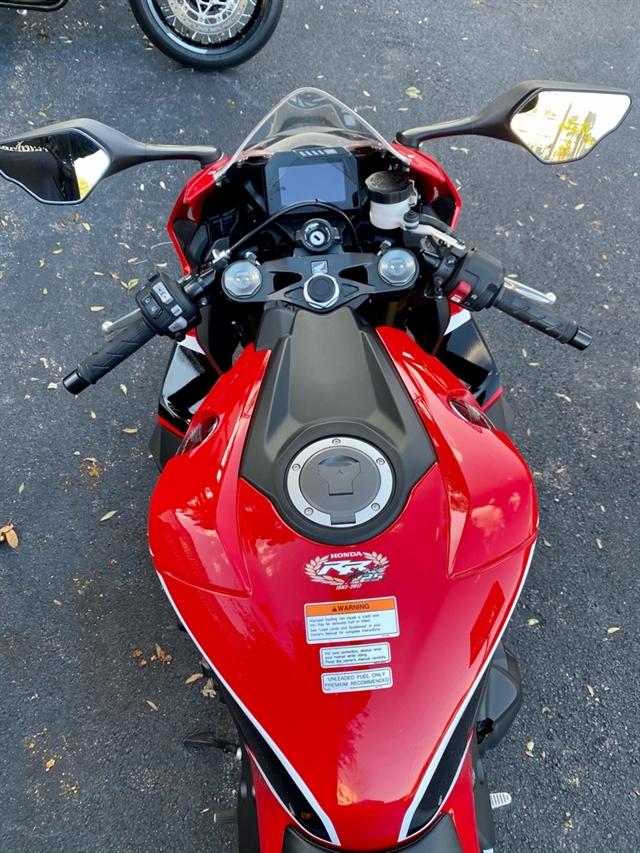 2017 Honda CBR1000RR Base at Tampa Triumph, Tampa, FL 33614