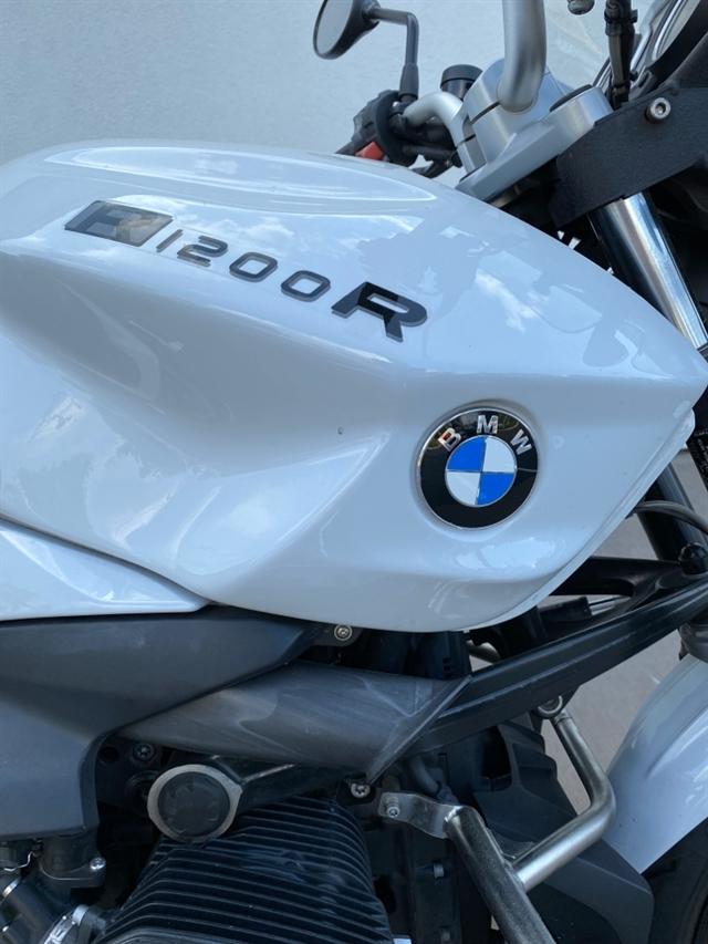 2014 BMW R 1200 R at Frontline Eurosports