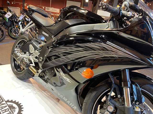 2010 Yamaha YZF R6 at Martin Moto