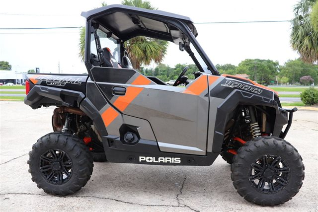 2018 Polaris GeneralΓäó 1000 EPS Deluxe Titanium Metallic at Friendly Powersports Baton Rouge