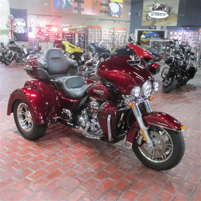 2016 Harley-Davidson Trike Tri Glide Ultra at Bumpus H-D of Memphis