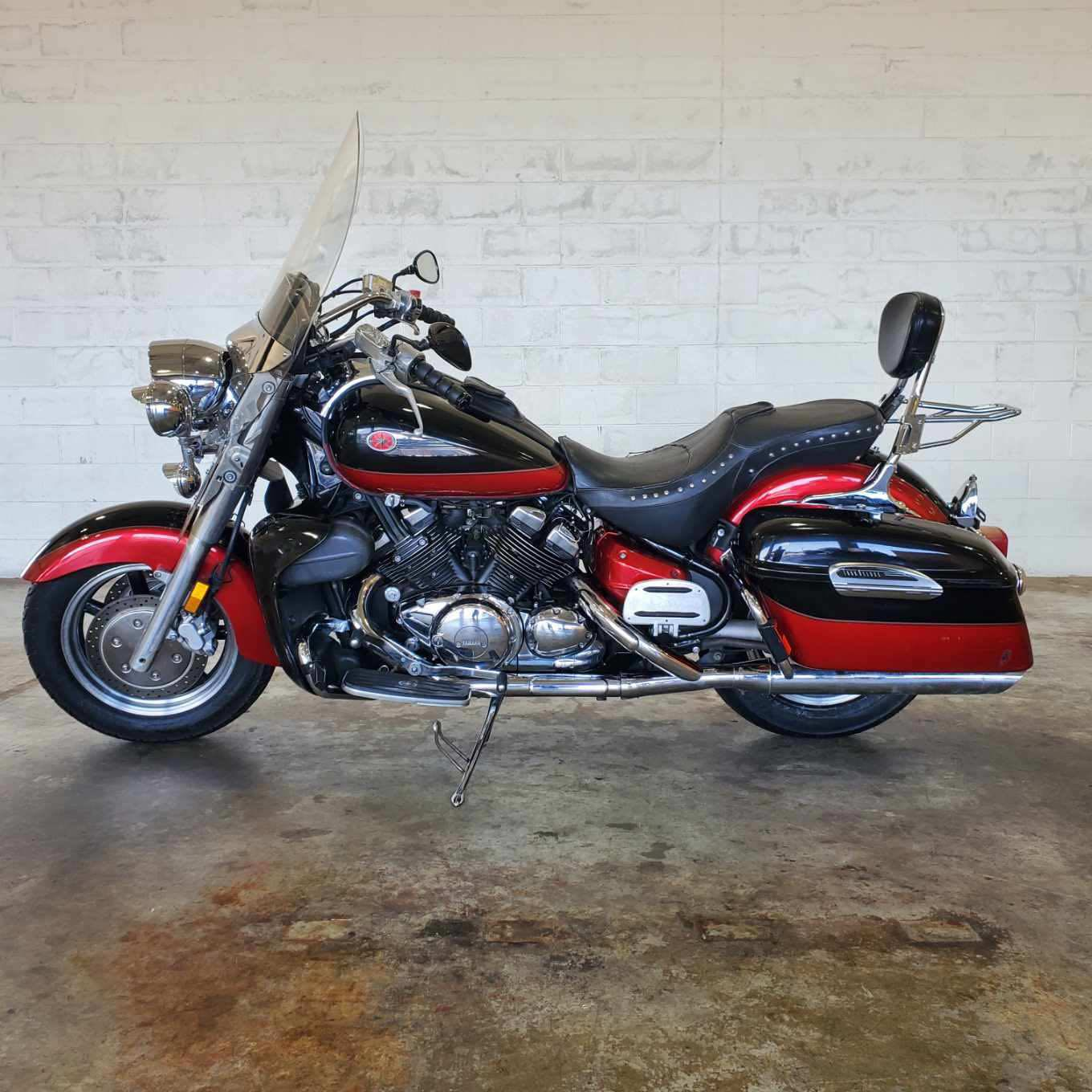 2005 Yamaha Royal Star Tour Deluxe at Twisted Cycles