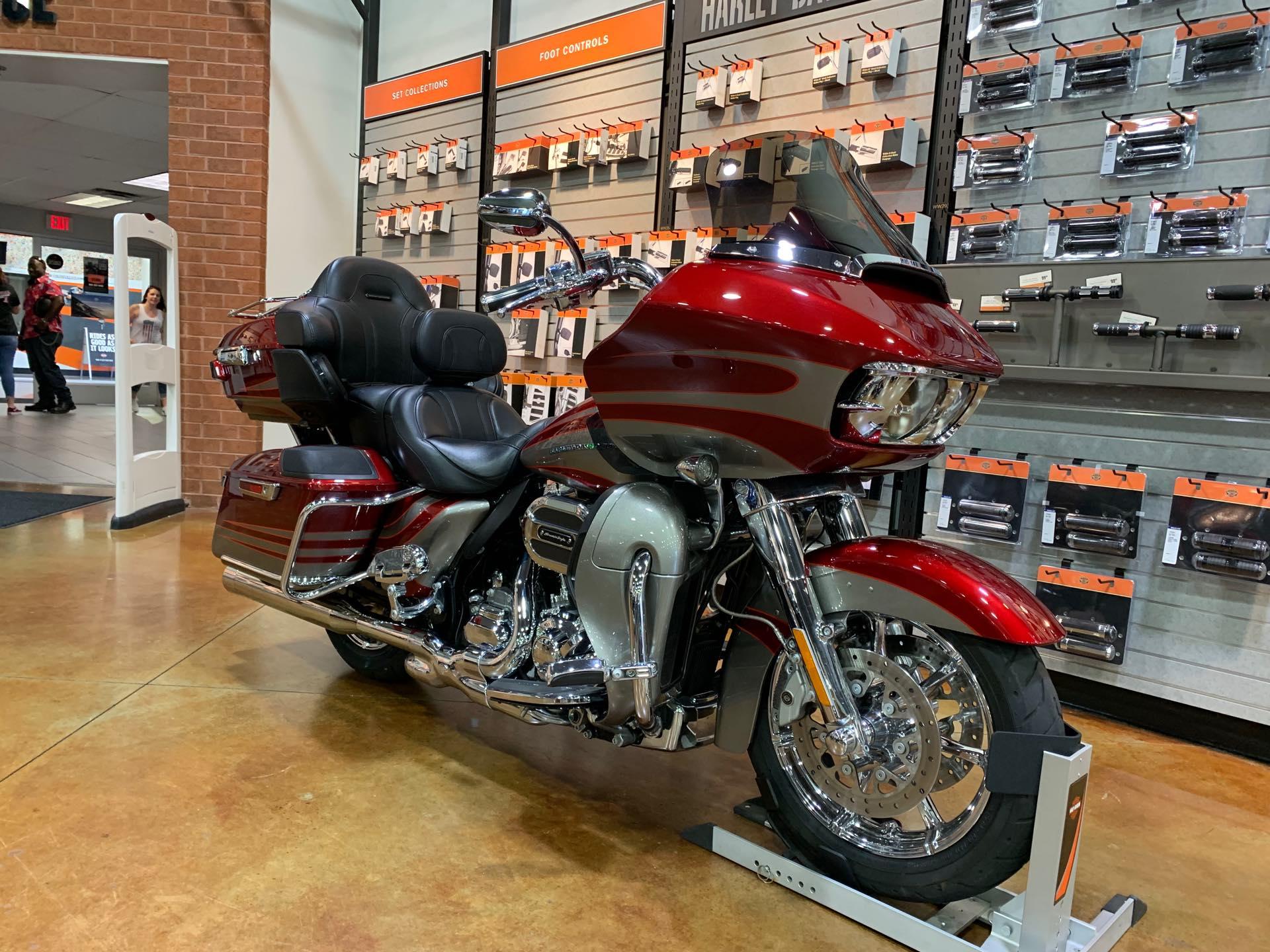 2016 Harley-Davidson Road Glide CVO Ultra at Colonial Harley-Davidson