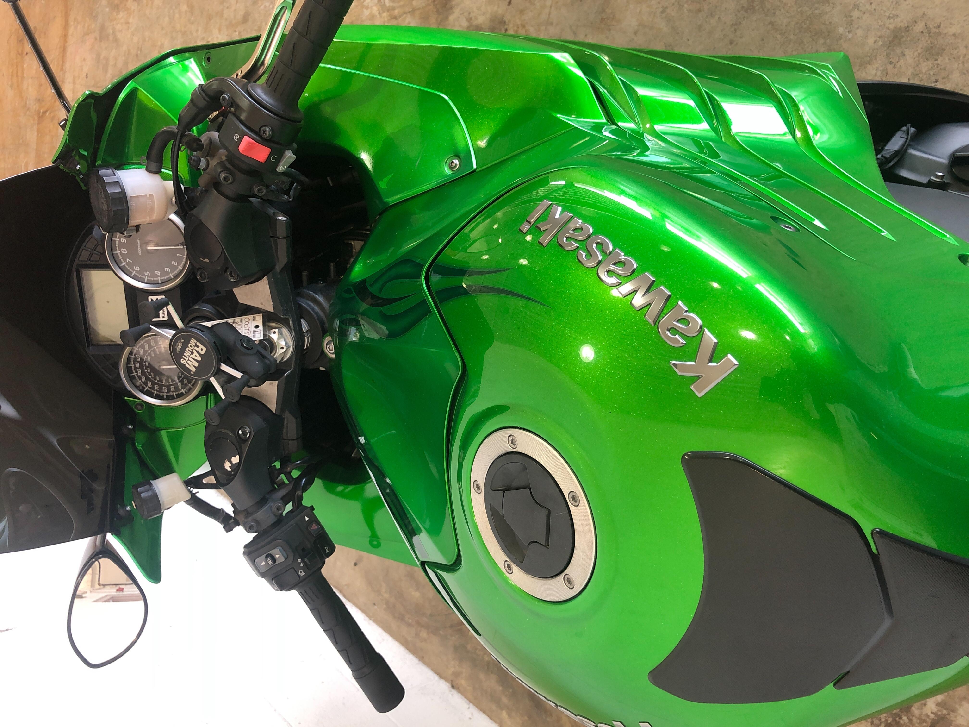 2012 Kawasaki Ninja ZX-14 SE at Twisted Cycles