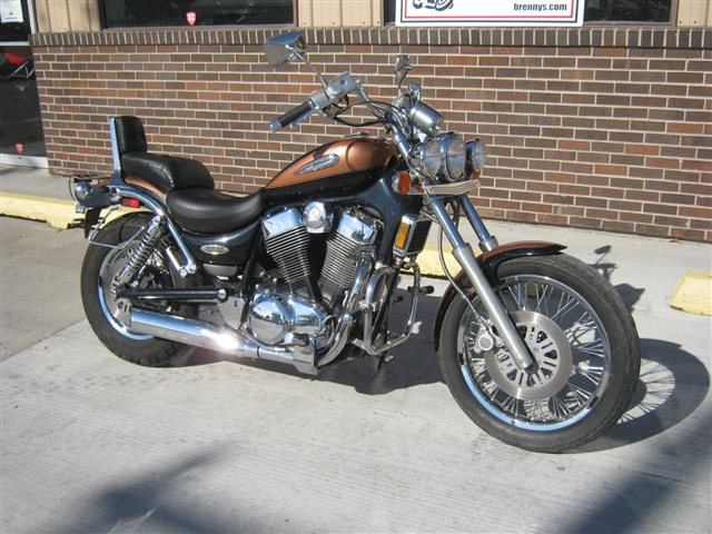2000 Suzuki 1400 Intruder at Brenny's Motorcycle Clinic, Bettendorf, IA 52722