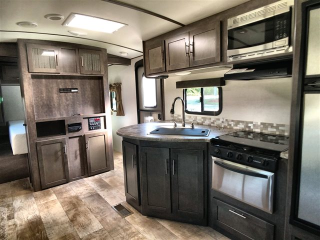 2017 CrossRoads Sunset Trail Super Lite SS264BH at Lee's Country RV