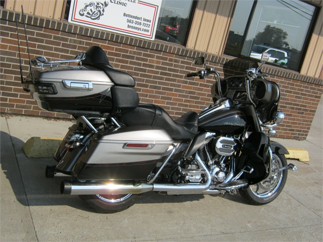 2015 Harley-Davidson Ultra Limited CVO at Brenny's Motorcycle Clinic, Bettendorf, IA 52722