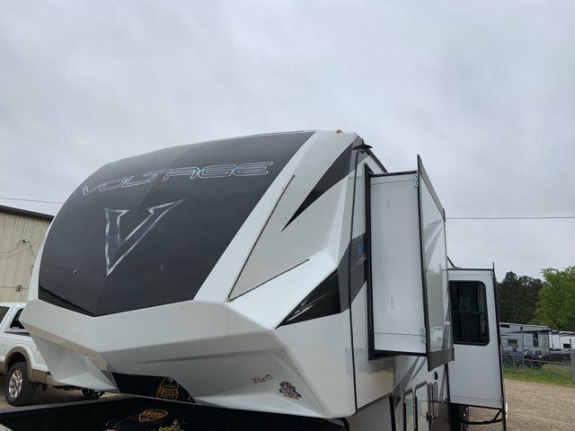 2019 Dutchmen Voltage V4185 Toy Hauler at Campers RV Center, Shreveport, LA 71129