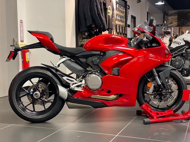 2021 Ducati Panigale V2 at Frontline Eurosports