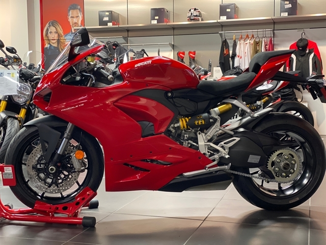 2020 Ducati Panigale V2 at Frontline Eurosports