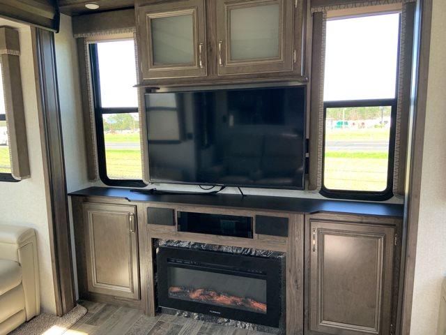 2019 Keystone RV Montana High Country 379RD Rear Living at Campers RV Center, Shreveport, LA 71129