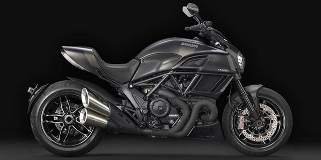 2016 Ducati Diavel Carbon at Frontline Eurosports