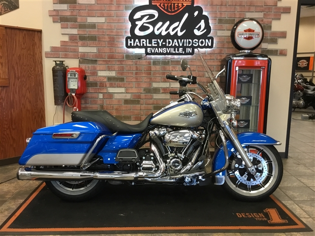 2018 Harley-Davidson Road King Base at Bud's Harley-Davidson, Evansville, IN 47715