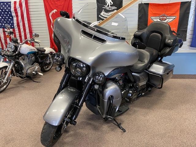 2019 Harley-Davidson Electra Glide CVO Limited at Carlton Harley-Davidson®