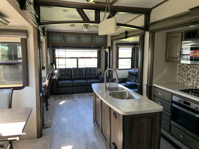 2019 Keystone RV Montana 3561RL at Campers RV Center, Shreveport, LA 71129