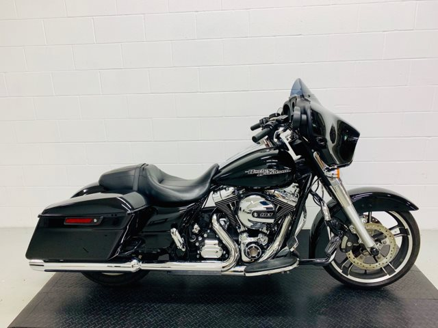 2016 Harley-Davidson Street Glide Base at Destination Harley-Davidson®, Silverdale, WA 98383