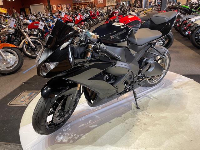 2008 Kawasaki Ninja ZX-10R at Martin Moto