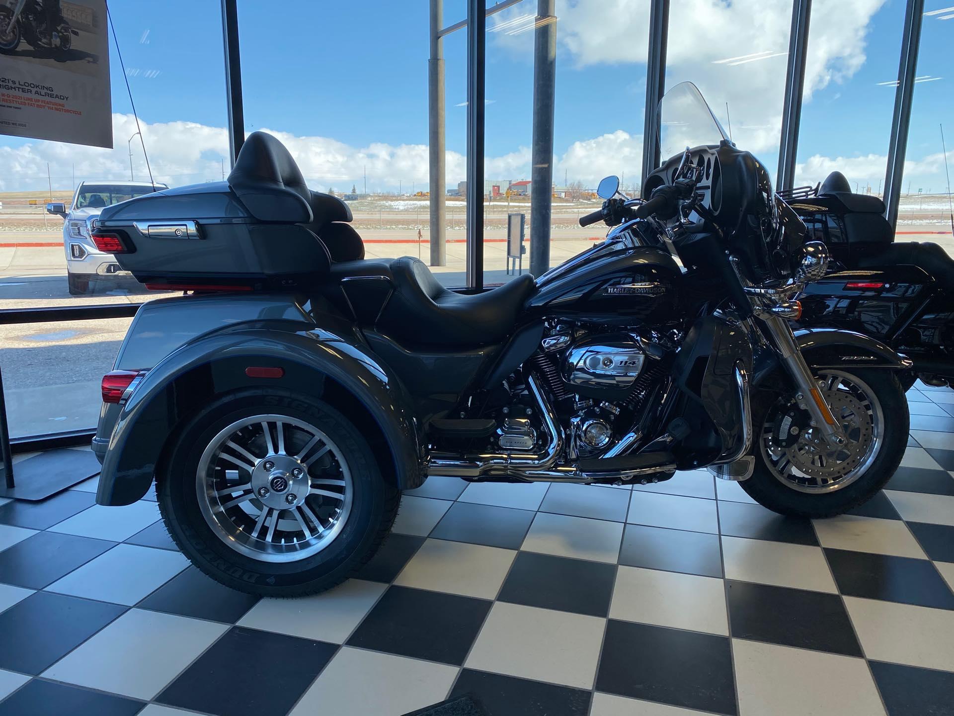 2021 Harley-Davidson Trike FLHTCUTG Tri Glide Ultra at Deluxe Harley Davidson