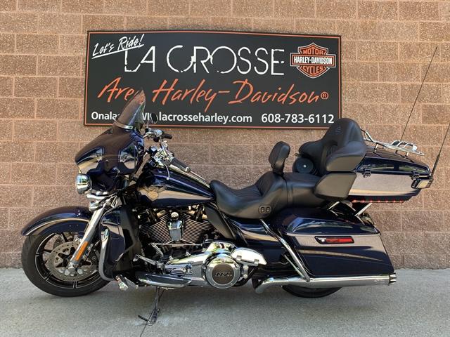 2018 Harley-Davidson Touring CVO Limited at La Crosse Area Harley-Davidson, Onalaska, WI 54650