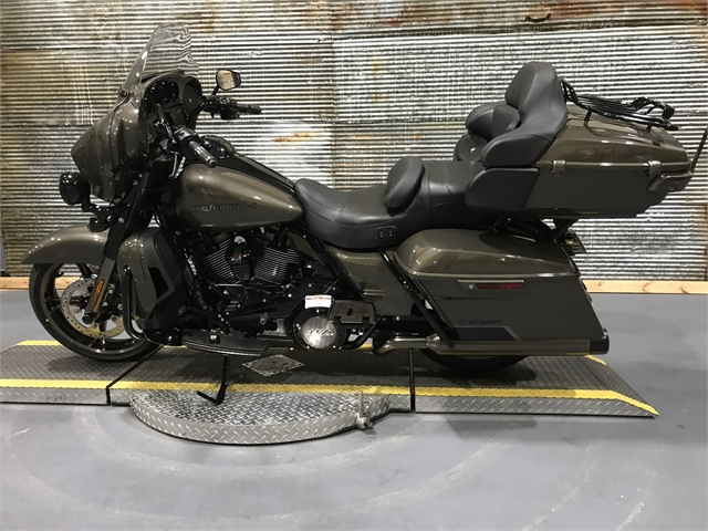 2021 Harley-Davidson Touring CVO Limited at Texarkana Harley-Davidson