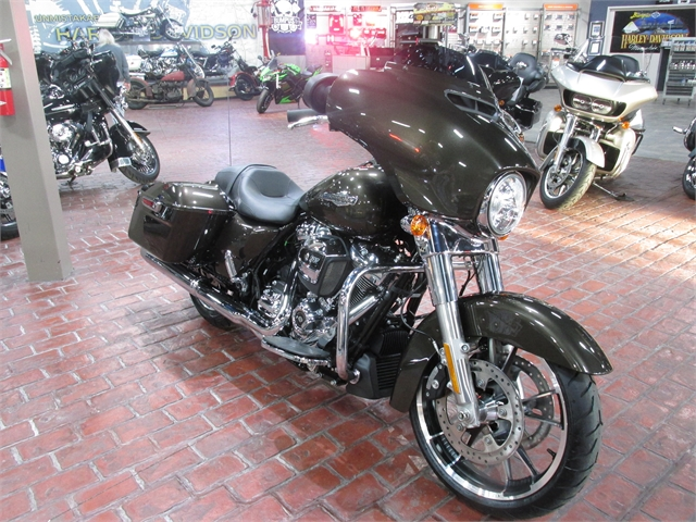 2021 Harley-Davidson FLHX at Bumpus H-D of Memphis
