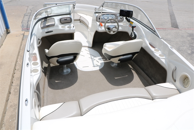 2006 Tahoe Q6 at Jerry Whittle Boats