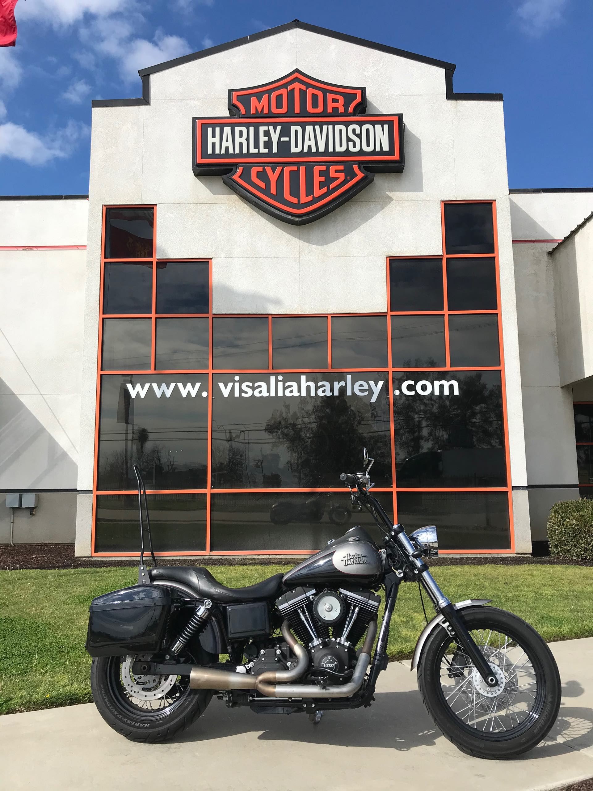 2016 Harley-Davidson Dyna Street Bob at Visalia Harley-Davidson