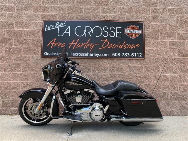 2013 Harley-Davidson Street Glide Base at La Crosse Area Harley-Davidson, Onalaska, WI 54650