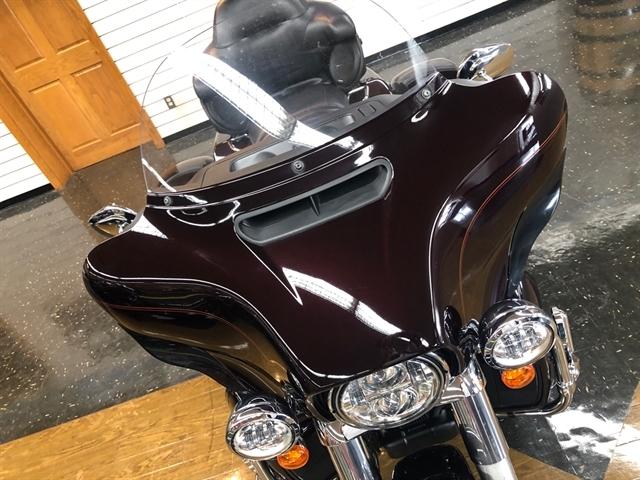 2014 Harley-Davidson Trike Tri Glide Ultra at Holeshot Harley-Davidson