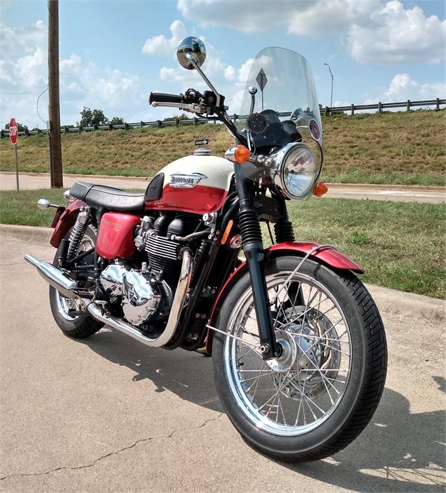 2012 Triumph Bonneville T100 at Eurosport Cycle