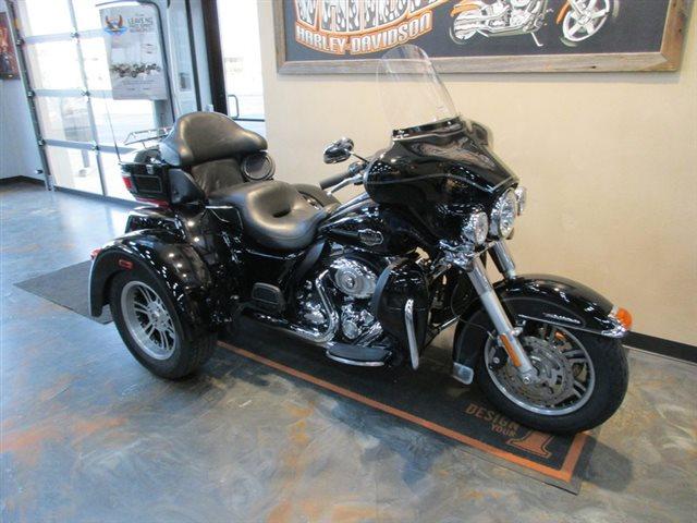 2013 Harley-Davidson Trike Tri Glide Ultra Classic at Vandervest Harley-Davidson, Green Bay, WI 54303