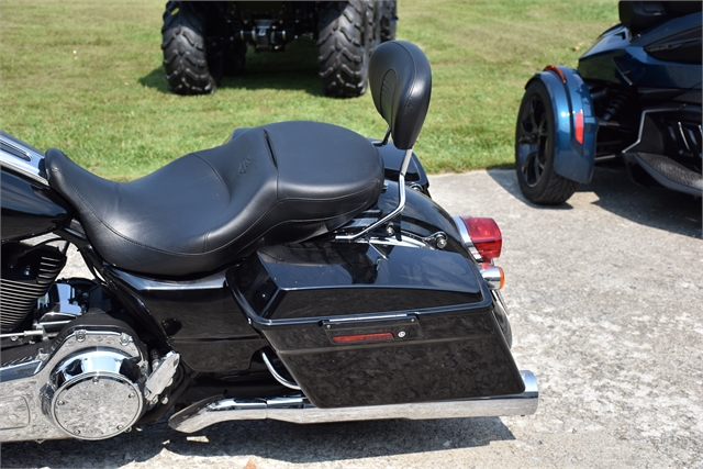 2009 Harley-Davidson Street Glide Base at Thornton's Motorcycle - Versailles, IN