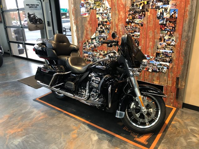2018 Harley-Davidson Electra Glide Ultra Classic at Vandervest Harley-Davidson, Green Bay, WI 54303