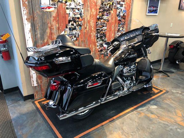 2018 Harley-Davidson Electra Glide Ultra Classic® at Vandervest Harley-Davidson, Green Bay, WI 54303