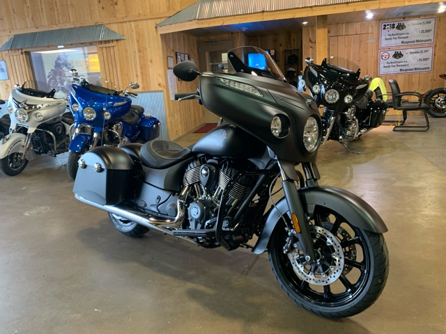 2018 Indian Chieftain Dark Horse at Mungenast Motorsports, St. Louis, MO 63123