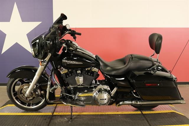 2013 Harley-Davidson Street Glide Base at Texas Harley