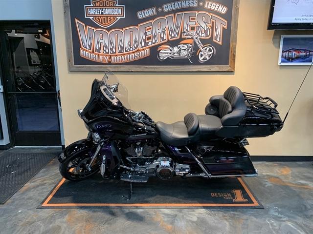 2021 Harley-Davidson Touring CVO Limited at Vandervest Harley-Davidson, Green Bay, WI 54303