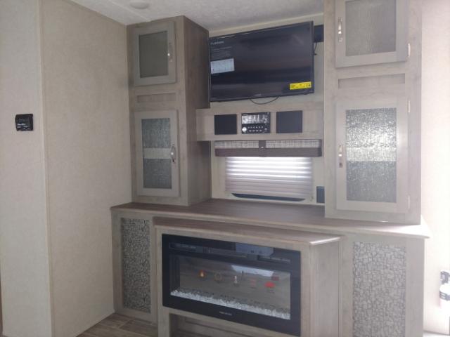 2019 Palomino Puma 25RKSS Rear Kitchen at Campers RV Center, Shreveport, LA 71129