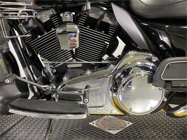 2011 Harley-Davidson Electra Glide Classic at Worth Harley-Davidson