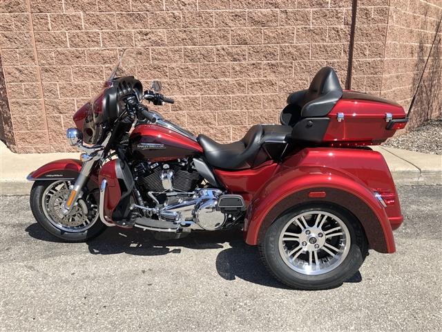 2018 Harley-Davidson Trike Tri Glide Ultra at La Crosse Area Harley-Davidson, Onalaska, WI 54650