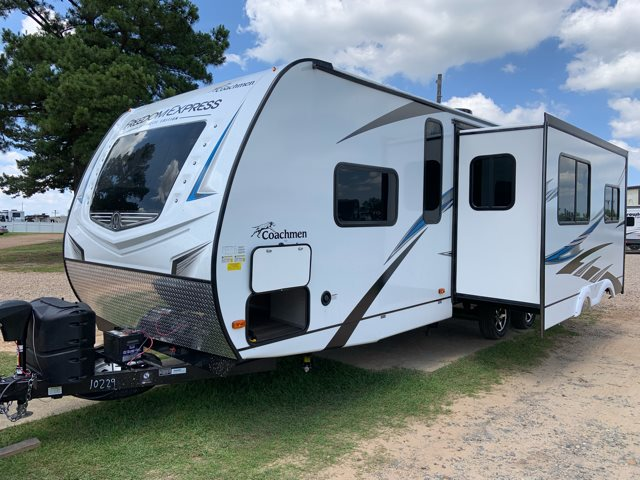 2020 Coachmen Freedom Express Deep Slide 287BHDS at Campers RV Center, Shreveport, LA 71129