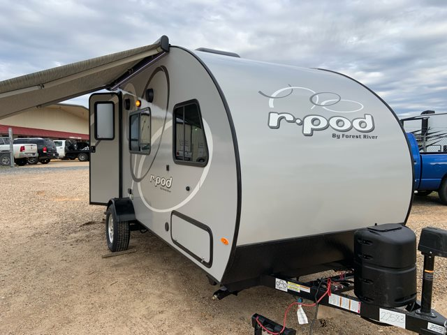 2019 Forest River R-Pod RP-180 Rear Bath at Campers RV Center, Shreveport, LA 71129