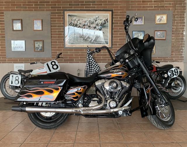 2006 Harley-Davidson Street Glide Base at South East Harley-Davidson